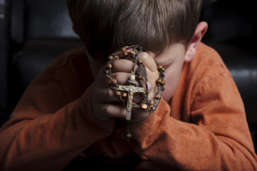 child in prayer 2