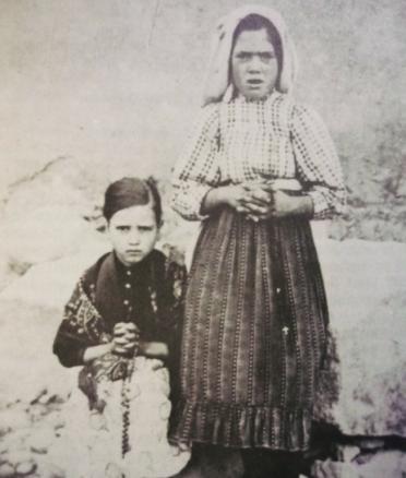 Jacinta en Lucia, september 1917.